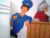 ノルウェー語(ブークモール)絵本 John Cunliffe & Jane og Joan Hickson / Postmann Pat sitter blomstervakt